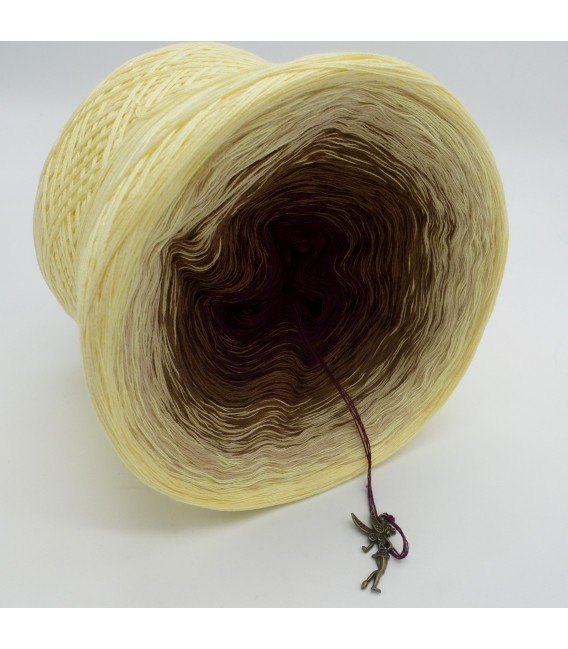 gradient yarn 4ply Loreley - Vanilla outside 3