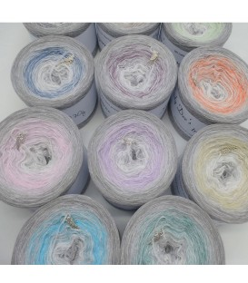 Sterne des Universum (Stars of the universe) - 4 ply gradient yarn - image 1