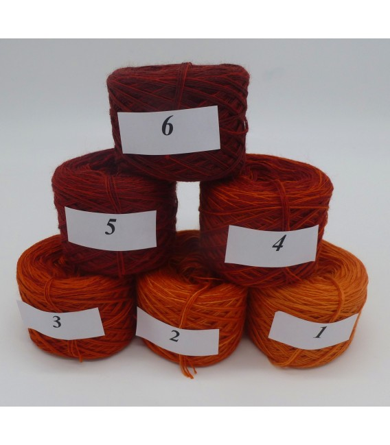 Merino Bobbelbox MB001 with 6 small and 4-ply Bobbel - image 2