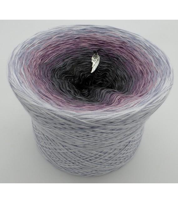 gradient yarn Flüsternde Engel - White outside