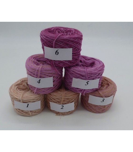 Merino Bobbelbox MB002 with 6 small and 4-ply Bobbel - image 2