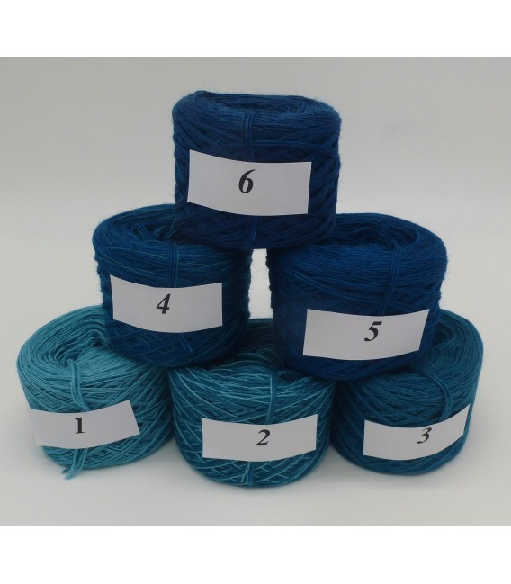 Merino Bobbelbox MB004 with 6 small and 4-ply Bobbel - image 2