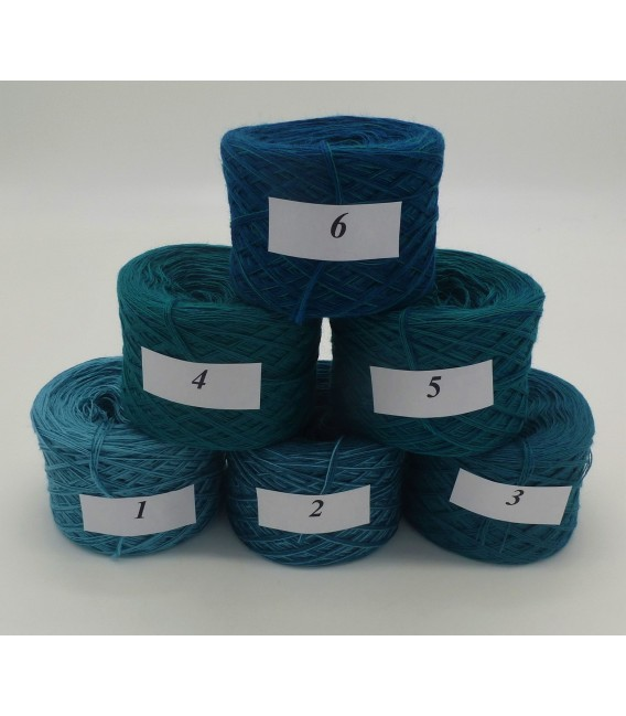 Merino Bobbelbox MB006 with 6 small and 4-ply Bobbel - image 2
