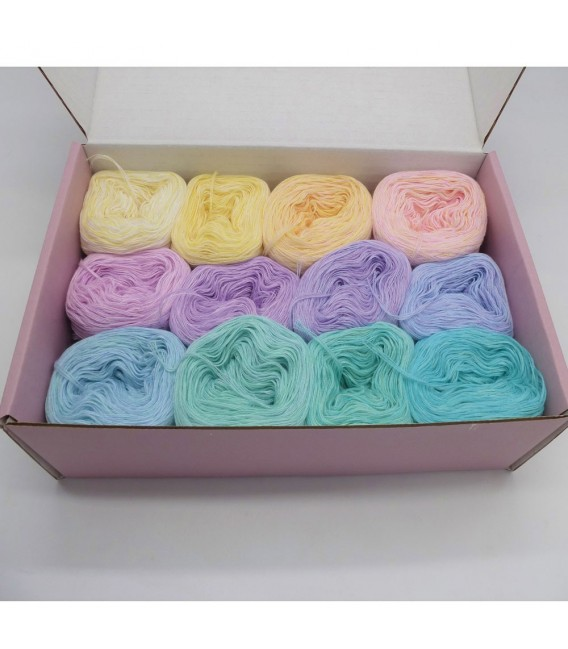 treasure chest - Neverland - gradient yarn - image 1