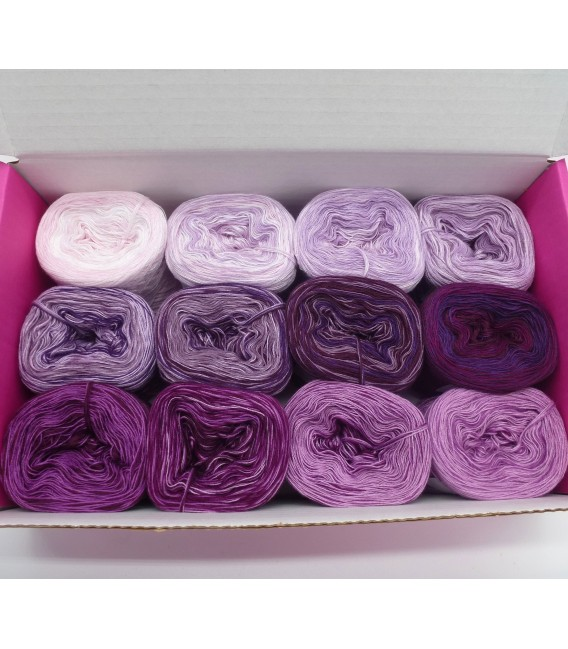 treasure chest - Land der Geheimnisse - gradient yarn - image 1