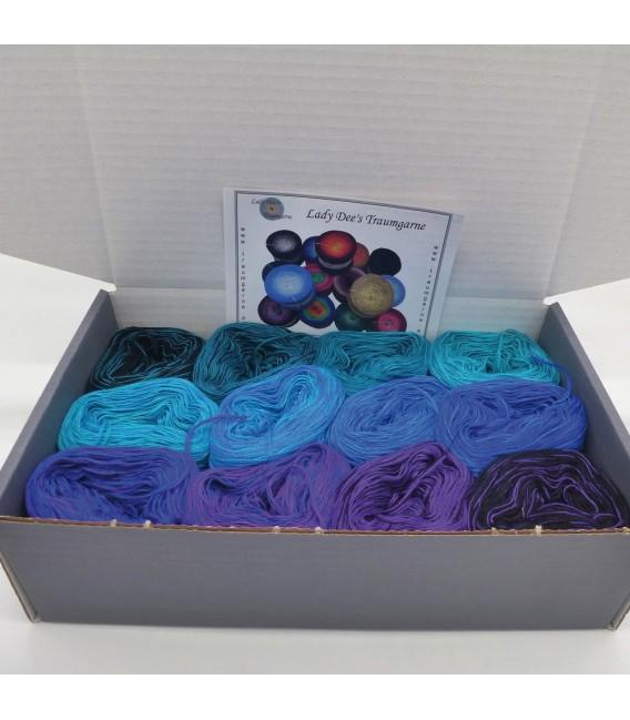 treasure chest - Land der 1000 Seen - gradient yarn - image 2