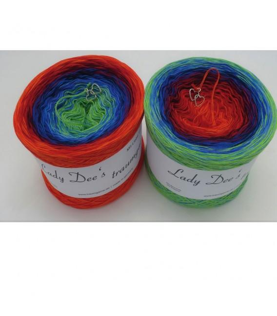 Weihnachtsstimmung (Christmas spirit) - 4 ply gradient yarn - image 1