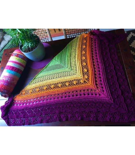 Oase in Bunt - Oasis in colorful - 3 ply gradient yarn image 4