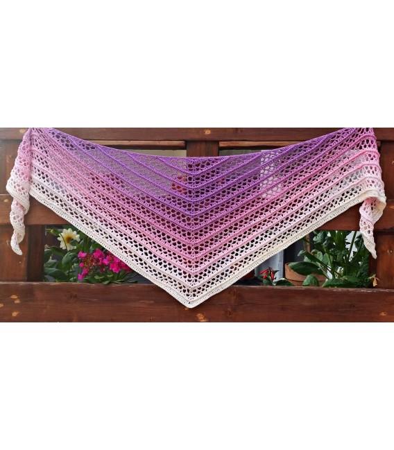 Träumerei (dreaming) - 4 ply gradient yarn - image 8