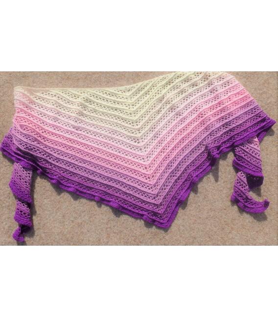 Träumerei (dreaming) - 4 ply gradient yarn - image 10