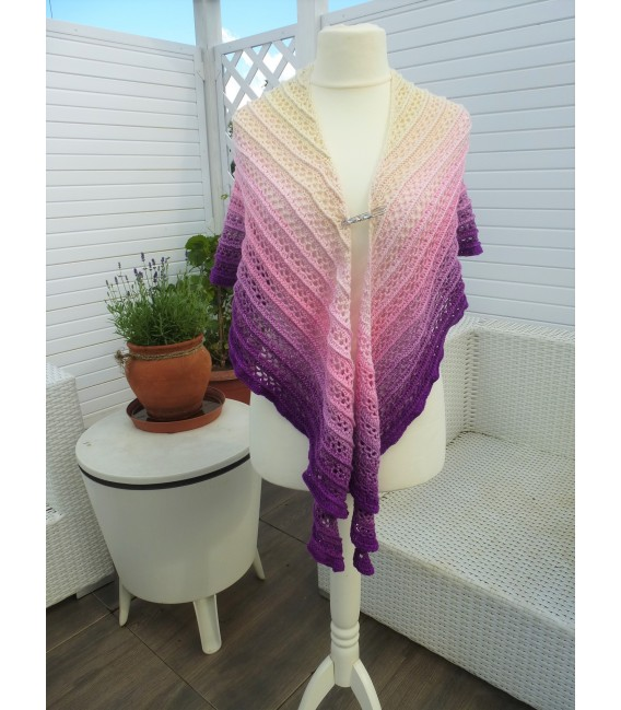 Träumerei (dreaming) - 4 ply gradient yarn - image 13