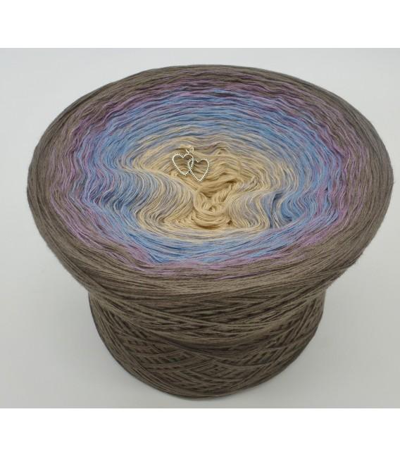 gradient yarn 4ply Weg zum Glück - taupe outside