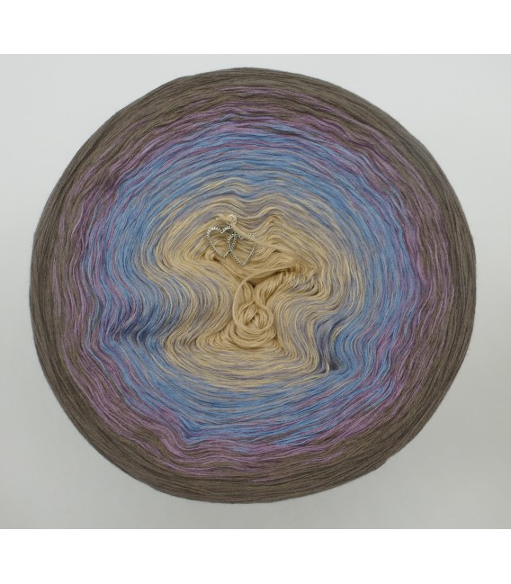 gradient yarn 4ply Weg zum Glück - taupe outside 2