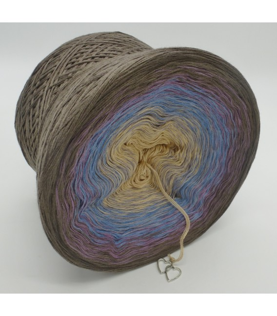 gradient yarn 4ply Weg zum Glück - taupe outside 3