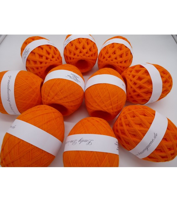 1kg High bulk acrylic yarn - Blood orange - 10 balls - image 2