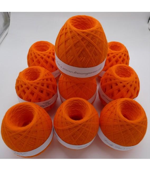 1kg High bulk acrylic yarn - Blood orange - 10 balls - image 3