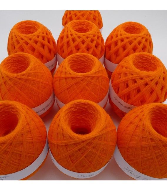 1kg High bulk acrylic yarn - Blood orange - 10 balls - image 4