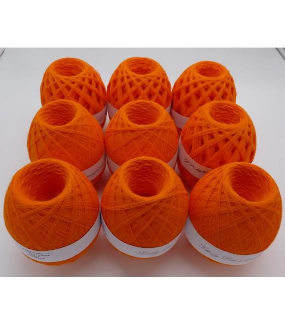 1kg High bulk acrylic yarn - Blood orange - 10 balls - image 6