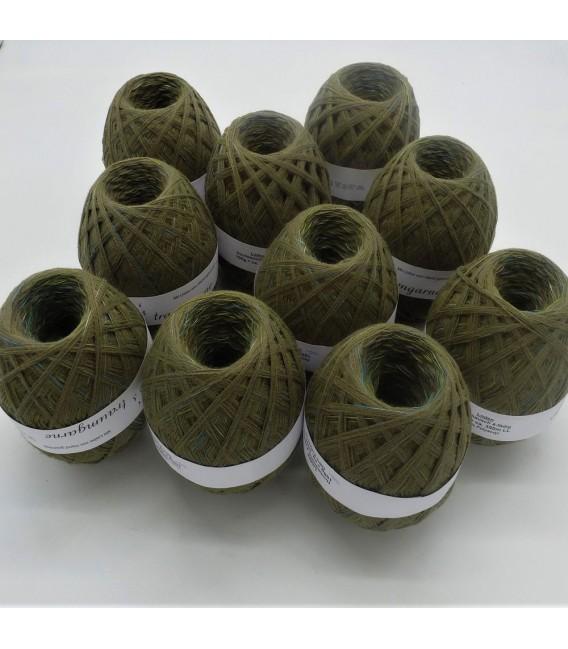 1kg High bulk acrylic yarn - Lead - 10 balls - image 1