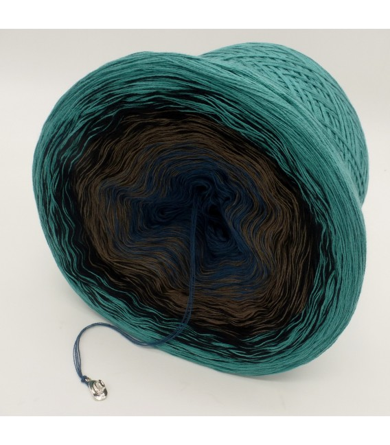 gradient yarn 4ply Cowboy - Ocean green outside 3