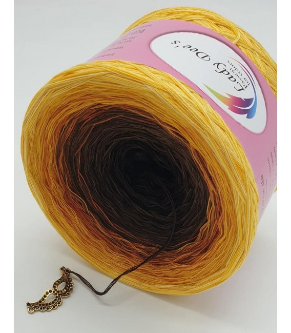 Sonnenblume (Sunflower) - 4 ply gradient yarn - image 4