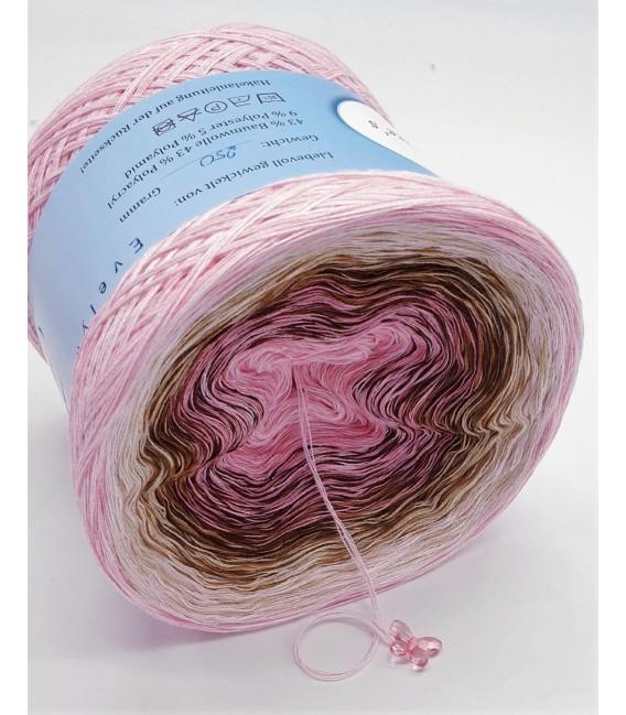 Hippie Lady - Evita - 4 ply gradient yarn - image 3