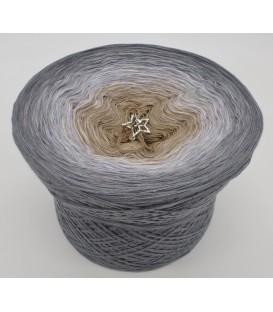 gradient yarn 4ply Orion - Medium gray outside