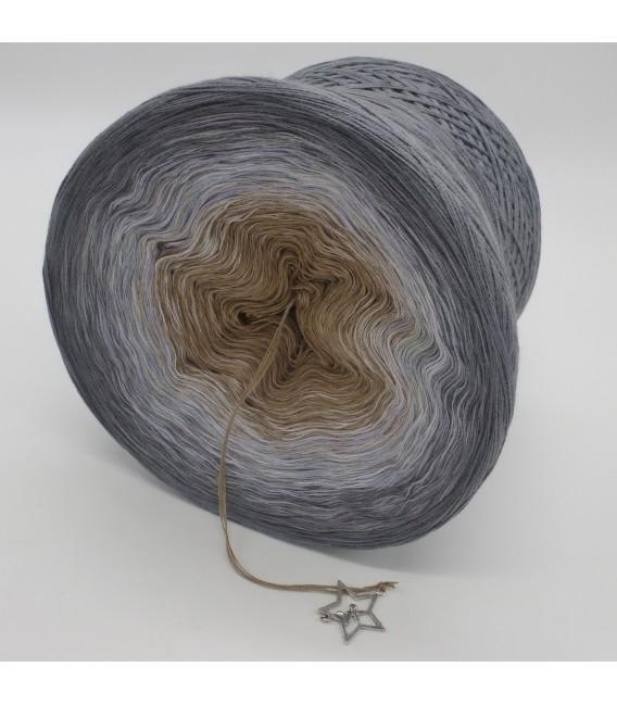 gradient yarn 4ply Orion - Medium gray outside 4