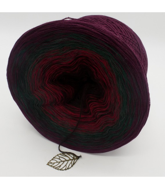 gradient yarn 4ply Magic Woman - Chianti outside 4
