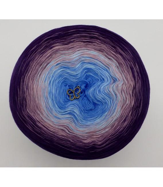 gradient yarn 4ply Mr. Moon - Purple outside 2