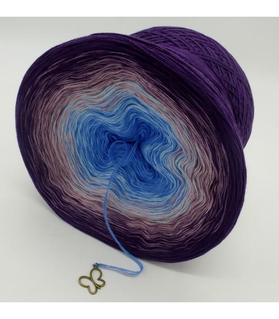 gradient yarn 4ply Mr. Moon - Purple outside 4