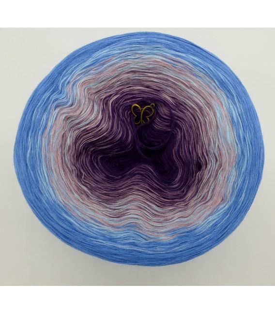 gradient yarn 4ply Mr. Moon - Ciel outside 2