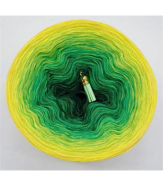 Mai Bobbel 2021 - 4 ply gradient yarn