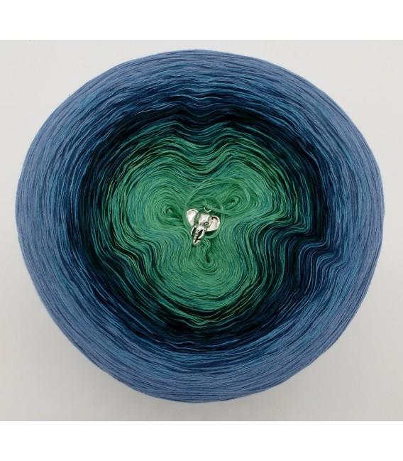 Farbverlaufsgarn 4-fädig Amazonas - Taubenblau aussen 2