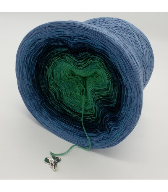 gradient yarn 4ply Amazonas - Pigeon blue outside 4