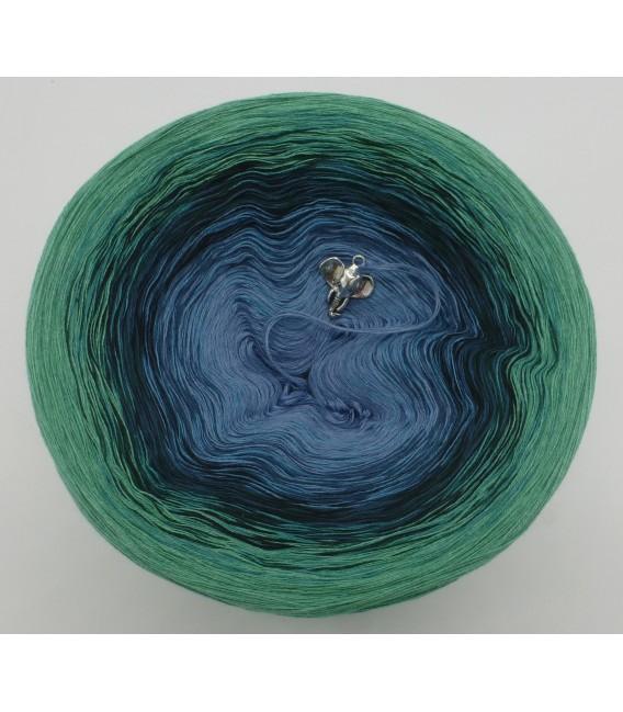 gradient yarn 4ply Amazonas - green mottled outside 2