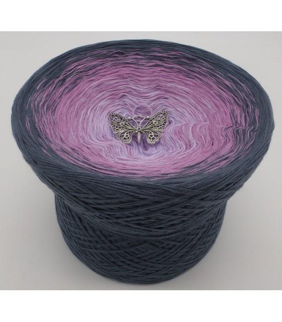 gradient yarn 4ply Deep Love - granite outside