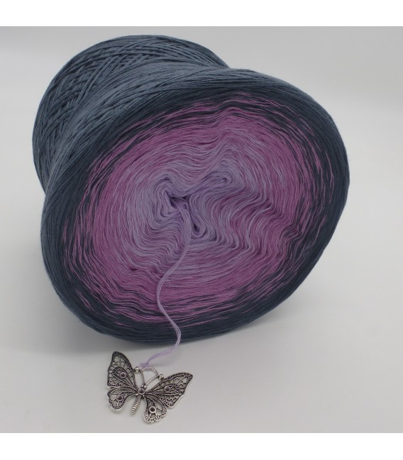 gradient yarn 4ply Deep Love - granite outside 4