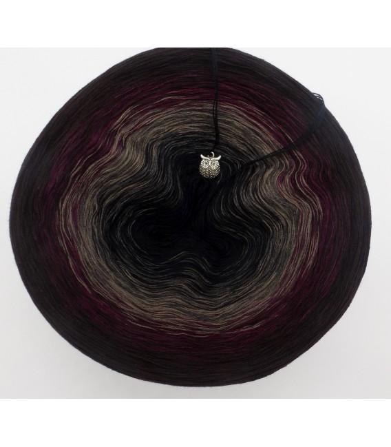 Dunkle Schatten (Dark shadows) - 4 ply gradient yarn - image 3