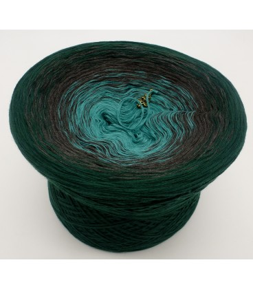 gradient yarn 4ply Tannenduft - fir green outside