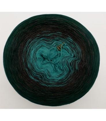 gradient yarn 4ply Tannenduft - fir green outside 2