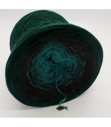 gradient yarn 4ply Tannenduft - fir green outside 3