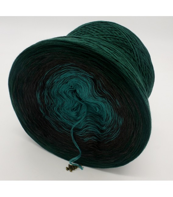 gradient yarn 4ply Tannenduft - fir green outside 4