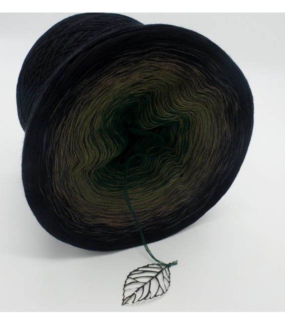 gradient yarn 4ply Tannenzauber - Black outside 3