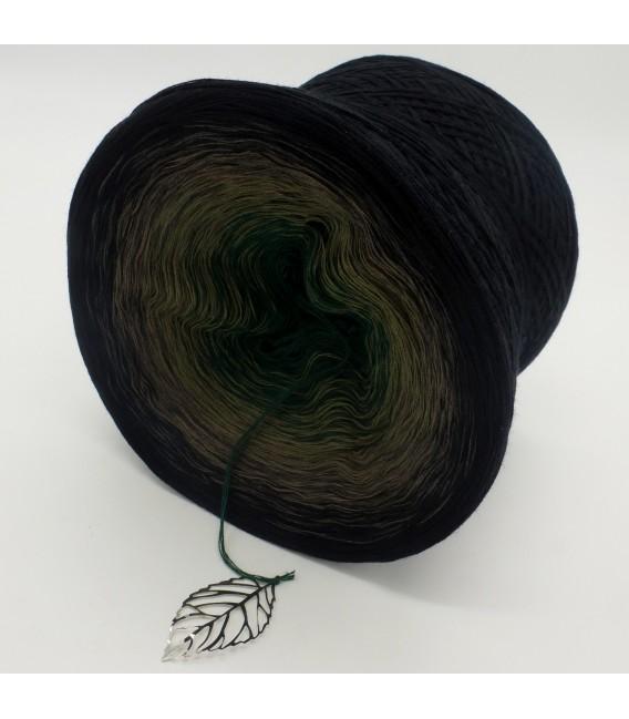 gradient yarn 4ply Tannenzauber - Black outside 4