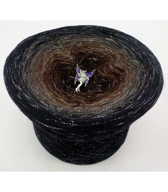gradient yarn 4ply Mystic Angel - Black outside