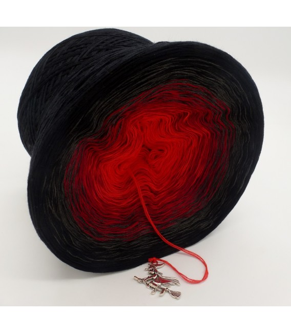 gradient yarn 4ply Hexentanz - Black outside 3