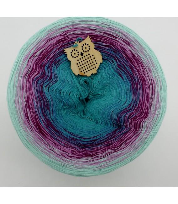 gradient yarn 4ply Kletterrosen - pistachio outside 2