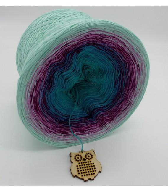 gradient yarn 4ply Kletterrosen - pistachio outside 3