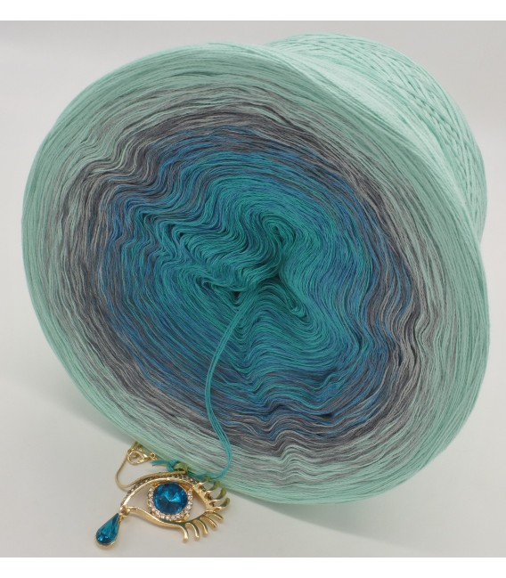 gradient yarn 4ply Ocean of Memories - pistachio outside 3